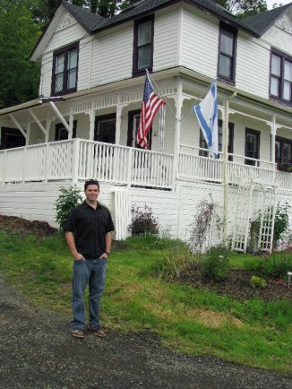 Cameron McKirdy visits The Goonie House in Astoria, Oregon
